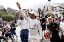 Hamilton mendedikasikan 'salah satu tiang F1 terbaiknya' untuk Lauda