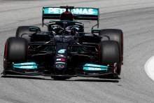 Hamilton leads Bottas and Leclerc in FP2 as Red Bull fall back