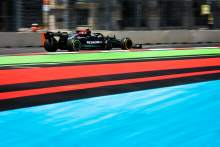Mercedes 'not operating at F1 championship-winning level'