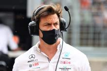 """Mercedes """"hanging on for dear life"""" over F1 engine reliability"""