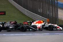 Perez Menikmati Pertarungan F1 yang Intens Melawan Hamilton