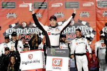 Keselowski takes thrilling win in Digital Ally 400