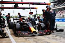 "Red Bull left surprised as Verstappen ""called himself in"" for F1 pit stop"