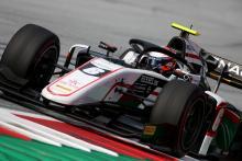 Lundgaard dominates to claim F2 sprint race spoils