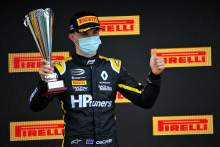Juara F3 Piastri mendapatkan balapan F1 pertama sebagai junior tes Renault di Bahrain