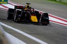 Badai Tsunoda untuk kemenangan balapan fitur Sakhir F2, Schumacher di titik puncak gelar