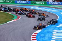 2021 F1 Spanish Grand Prix LIVE: Hamilton hunting down Verstappen for win
