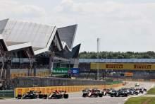 F1 GP Inggris Dihentikan Menyusul Insiden Hamilton-Verstappen