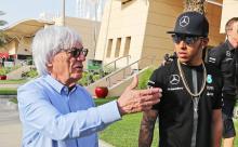 Hamilton mengutuk Ecclestone karena komentar rasisme 'bodoh, tidak berpendidikan'