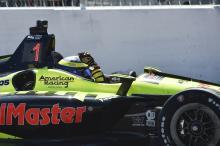 Bourdais meraih kemenangan St. Petersburg IndyCar setelah drama telat