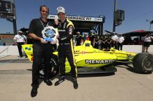 Simon Pagenaud menuntut untuk memimpin Penske 1-2-3 di kualifikasi Iowa