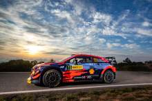 Evans' early pace was a wake-up call, admits Neuville