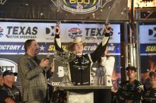 Josef Newgarden menang dalam DXC Technology 600 yang dramatis di Texas