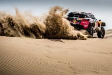 Despres memimpin Dakar saat Peugeot mendominasi