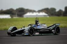 Sam Bird menyelesaikan tes Formula E pertama dengan Jaguar