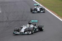 F1 fans back Hamilton over team orders