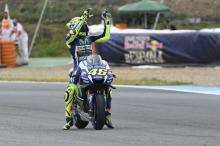 Dominant Rossi routs rivals at Jerez