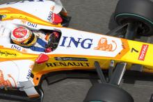 Renault suspended from Valencia for pit-stop error