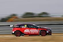 Morgan denies Tordoff to snatch maiden BTCC pole