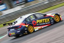 Jordan takes pole in chaotic Croft qualifying