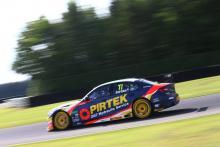 Jordan leads Sutton in opening practice