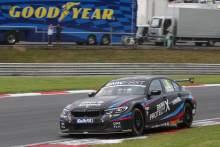iTom Oliphant (GBR) - Team BMW BMW 330i M Sport