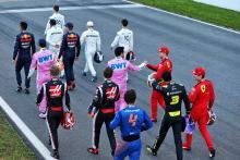 Siapa yang mengemudi saat uji coba pramusim F1?