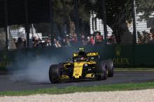 Sainz 'nearly vomited' during Australian GP
