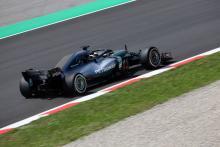 Hamilton: Ferrari 'probably sand-bagging' in Barcelona