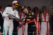 Hamilton admires Ricciardo's 'brave risk' to join Renault