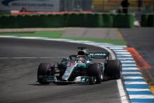 Mercedes: Hamilton didn't cause failure by running over kerbs
