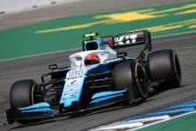 Williams breaks F1 curfew for Kubica chassis change