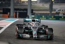Hamilton cruises to lights-to-flag victory in Abu Dhabi