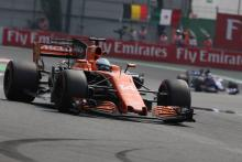 Alonso hopes to give Hamilton 'harder time' in 2018