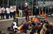 Race winner Max Verstappen (NLD) Red Bull Racing RB16 celebrates in parc ferme.