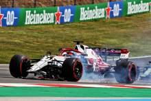 Kimi Raikkonen (FIN) Alfa Romeo Racing C41 with a broken front wing.