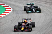 "Verstappen felt like ""a sitting duck"" against Hamilton in F1 Spanish GP"