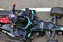 Hamilton hunts down Verstappen for F1 Spanish GP win