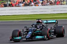 F1 GP Inggris: Hamilton Kalahkan Verstappen dalam Kualifikasi Menegangkan