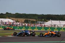 """Alonso's racecraft the """"best on the grid"""" after F1's British GP - Ricciardo"""