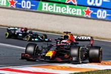 F1 GP Belanda: Verstappen Torehkan Kemenangan Kandang Ikonik
