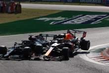 """维尔斯塔彭在F1汉密尔顿与沃尔夫的比赛中犯了一个""""战术犯规"""""""