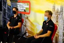 'Anda tidak pernah benar-benar tahu' - Haas duo memberikan pembaruan tentang F1 berjangka