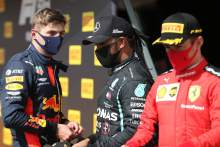 'No-one' can stop Hamilton from winning F1 title, admit rivals