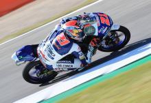 Moto3 Brno: Di Giannantonio snatches first win in frantic race