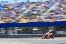 Marquez in formidable form in warm-up