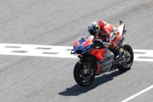 Dovizioso leads Vinales in Thailand, Lorenzo suffers huge high-side