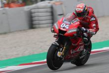 Dovizioso fast out of the box, Petrucci poised