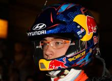 Neuville edges ahead of Ogier