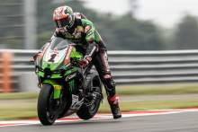 Rea seeking 'middle ground' at 'low grip' Donington, 'best Friday' for Lowes